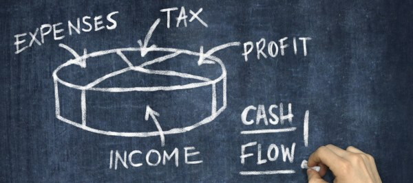 Hand Writing Cash Flow on Blackboard 000084827693 Large min 600x267 2